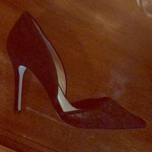 Black pointy toe heel